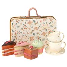 Maileg Cakes in Suitcase
